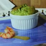 Soufflè verde con gamberoni e salsa al curry
