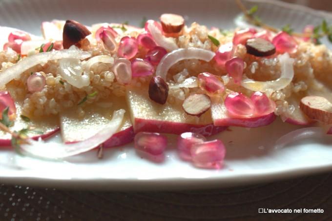 Insalata di mele e quinoa