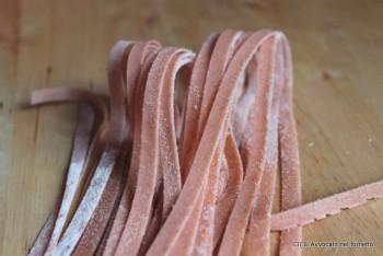 tagliatelle rosa con gorgonzola e noci