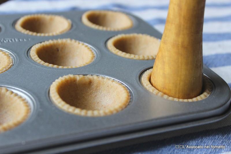 minicrostatine con macco di fave e pecorino