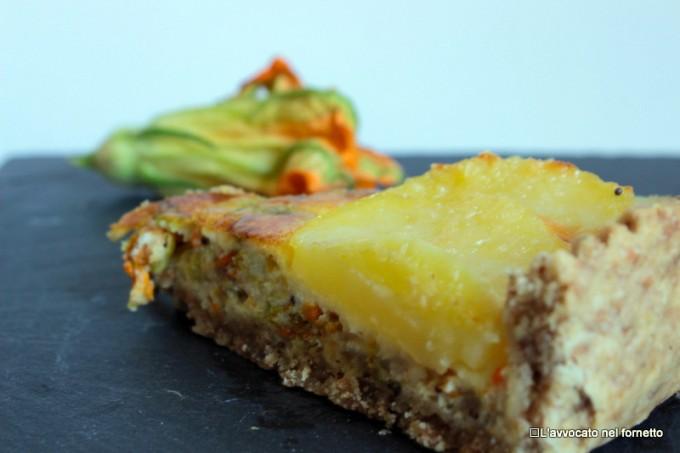 Crostata salata con patate fiori di zucca e semi di senape