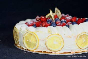Torta con crema chocolatin bianca