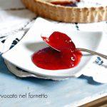 Confettura di fragole e il suo guscio di frolla