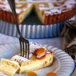 Crostata di ricotta e pinoli profumata all'arancia