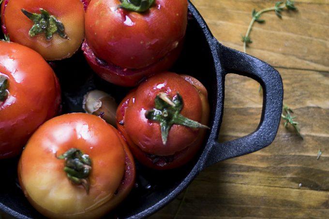 Pomodori al forno con riso nero